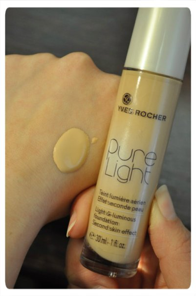 Yves Rocher's Pure Light Foundation in Rose 200 Light
